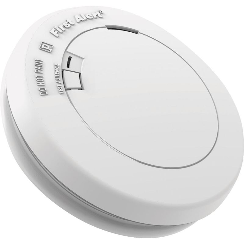 First Alert 10-Year Battery Smoke Alarm With Emergency Light White