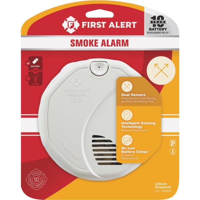 First Alert 10-Year Battery Dual Sensing Smoke Alarm White