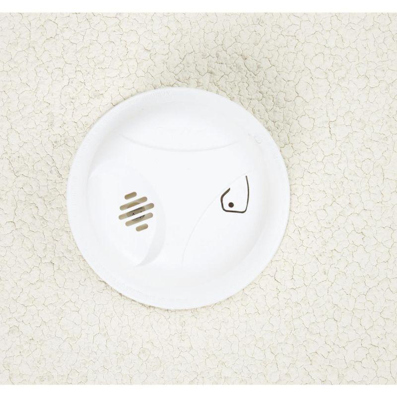 First Alert Long Life Battery Smoke Alarm White