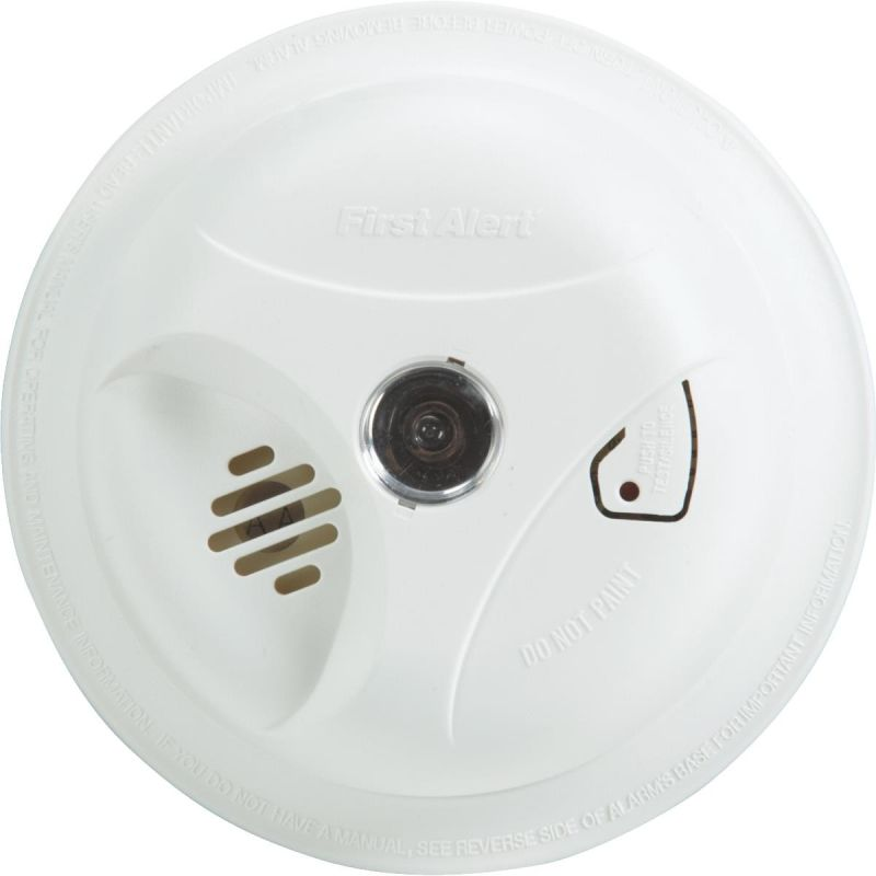 First Alert Smoke Alarm With Light White